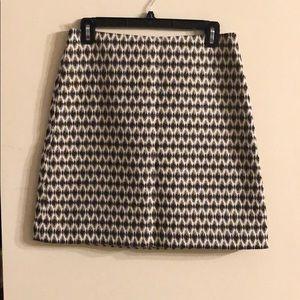 LOFT patterned jacquard skirt. Size:4